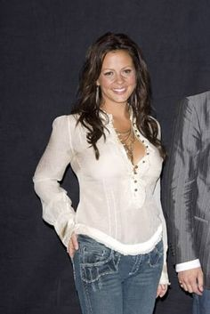 Country Female Singers, Country Music Singers, Hot Country Girls, Country Women, Beautiful Old Woman, Gorgeous Women, Beautiful Celebrities, Beautiful Actresses, Sara Evans