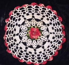 Vintage Crocheted Doily Variegated Red Rose 3 D Christmas Round Cream 13""
