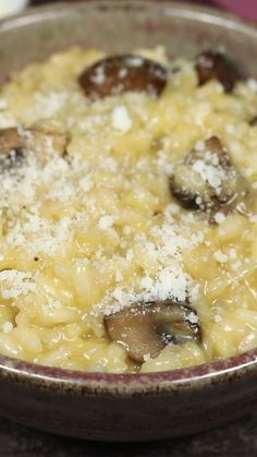 Mushroom Risotto : A delicious Mushroom Risotto is easier than you might think! It's a classic Italian dish that everyone should learn how to make. Risotto with Crimini mushrooms and Parmesan cheese. Recipes Appetizers And Snacks, Finger Food Appetizers, Dessert Recipes, Italian Appetizers, Dessert Healthy, Superfood, Italian Pasta Recipes, Italian Cooking, Vegetarian Italian