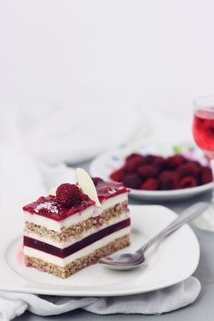 mascarpone mousse and raspberry jelly cake . Layered Desserts, Fancy Desserts, Just Desserts, Sweet Recipes, Cake Recipes, Dessert Recipes, Food Cakes, Cupcake Cakes, Mousse Mascarpone