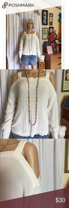 Express cold shoulder sweater size L 🎀 Cute white cold shoulder sweater by Express in size L 🎀 Please ask any questions always happy to answer 😊 Happy Poshing 😊🎀💖 Express Sweaters