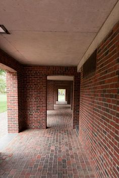 Phillips Exeter Academy Library - Class of 1945 arch : Louis Kahn Exeter Library, Phillips Exeter Academy, Louis Kahn, Brick Architecture, Exposed Brick, New Hampshire, Modern Classic, Terracotta, Facade