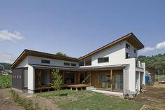 Die Bauherren wünschten sich ein großzügiges, natürliches und modernes Zuhause. Wir zeigen euch das Ergebnis.