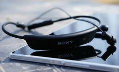 呢排時晴時雨,用符合 IP55/58評級防水嘅Sony Xperia™ Z2再加Sony原廠掛頸式藍牙耳機聽歌就唔怕喇!因為手機同耳機外殼都有防水功能,畀你盡情享受超級靚聲!http://bit.ly/XpeZ2  圖片來源:tumblr