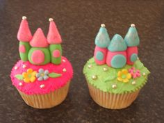 Castle Cupcakes -- so cute for a girls' princess party  Don't you think we could make these out of fondant to put on the cupcakes Grandma makes? @Kelley Oberg Smith Wright
