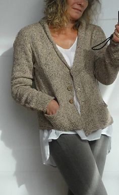 City Trip pattern by Hinterm Stein Ravelry: City Trip pattern by Hinterm Stein Crochet Jumper Pattern, Jumper Patterns, Cardigan Pattern, Knit Cardigan, Ravelry, How To Purl Knit, Sweater Knitting Patterns, Cardigan Fashion, Pullover