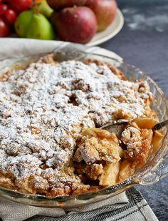 Perfekt æblecrumble med brun farin - Fudge Recipes, Sweets Recipes, Easy Desserts, Baking Recipes, Delicious Desserts, Cake Recipes, Danish Dessert, Danish Food, Best Homemade Bread Recipe
