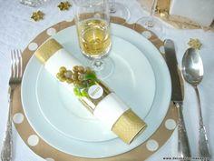 adornos para ano nuevo   Para decorar el centro de lamesa he puesto un recipiente con una ...