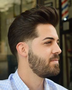 Discover our Top 100 Fade Haircuts for men. From the High Skin to the Taper Fade, this guide offers to you the most amazing Fade Haircuts for man or boy. Smart Hairstyles, Popular Mens Hairstyles, Cool Mens Haircuts, Cool Hairstyles For Men, Popular Haircuts, Men's Hairstyles, Guy Haircuts, Pompadour Men, Pompadour Hairstyle