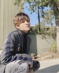 Seventeen Samuel, King Of My Heart, Produce 101 Season 2, My Little Baby, Kpop Aesthetic, Pop Singers, Going Crazy, Korean Singer, Korean Actors
