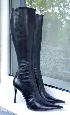 Sexy Heels, High Heels, Heeled Boots, Shoe Boots, Fashion Boots, Women's Fashion, Botas Sexy, Vintage Boots, Jennifer Lopez