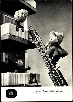 Ansichtskarte / Postkarte Unser Sandmännchen, Balkons, Feuerwehrleiter, DDR