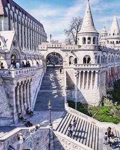 Explore the Fisherman's Bastion in Budapest, Hungary. Went at night and it was glowing. Places To Travel, Places To Visit, Hungary Travel, Budapest Travel, Le Cap, Belle Villa, Places Around The World, Around The Worlds, 6 Photos