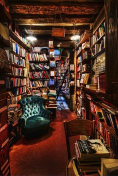 20 Most Magnificent Places To Read Books