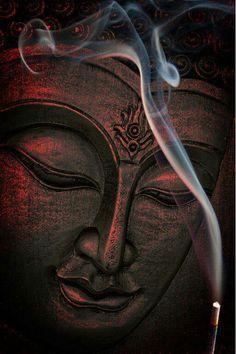 """16 de junho """"Dia em que os indianos celebram o festival das curas de Buda, reverenciando a face curadora do deus."""" (Márcia Frazão) - Da pasta: Relegere-Religio."""