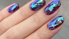 Glass manicure - koreański trend, którym zachwycił się świat mody