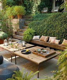 salle à manger moderne terrasse avec une table basse en bois