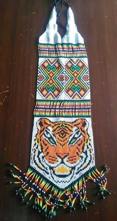Collar Indio, Beading Projects, Loom Patterns, Loom Beading, Bead Art, Beaded Necklace, Necklaces, Lily, African