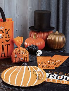 HALLOWEEN MAGIC PAPER TABLEWARE  by Design Design Halloween Magic, Halloween Design, Pumpkin Carving, Design Design, Fashion Art, Paper, Tableware, Dinnerware, Dishes