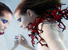 Pièce d'épaule corail Tzuri Gueta - silicone et textile - Photo : Susanne Stemmer