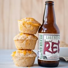 Cheddar Beer Bread Muffins - The Beeroness (I made these with Rick Bayless' chili, recipes on my Calorie Vault board, and they were perfection! Beer Bread, Soda Bread, Muffin Recipes, Baking Recipes, Healthy Beer, Ma Baker, Cooking With Beer, Beer Recipes, Recipies
