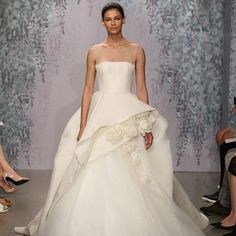 We loved this @moniquelhuillier, inspired by a romantic and opulent garden. #MoniqueLhuillier #romantic #gardengown #weddingdress #bridalgown #gettingmarried #futuremrs #ido #newcollection #luxurywedding #bridaldesigner #bridalstyle #StrictlyWeddings
