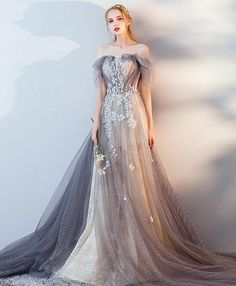 best=Gorgeous Gray Tulle Lace Long Prom Dress Gray Tulle Lace Evening Dres , These 2020 prom dresses include everything from sophisticated long prom gowns to short party dresses for prom. Pretty Dresses, Sexy Dresses, Dress Outfits, Fashion Dresses, Prom Dresses, Formal Dresses, Gray Formal Dress, Fashion 2017, Short Dresses