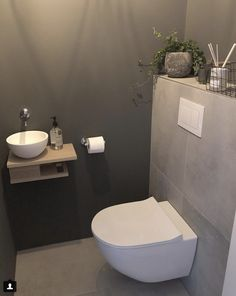 ⋅ ∙ ⋅ Nog 1 dag werken & dan begint onze (mi… – ⋅ ∙ ⋅ One more day of work & then our (mi … – Small Toilet Room, Guest Toilet, Downstairs Toilet, Small Half Bathrooms, Bathroom Design Small, Modern Bathroom, Bathroom Colors, Bathroom Ideas, Understairs Toilet