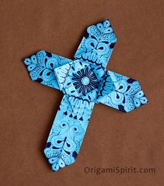 Post image for Make an Origami Cross –Version 1 - origami spirit by Leyla Torres