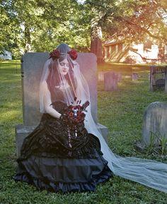 Vampire bride! Bridal bouquet by ALTflowers. #vampire, #halloween, #gothwedding, #gothic, #goth, #bat, #Dracula