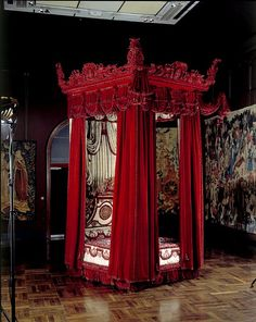Melville House Bed - WIlliam and Mary Furniture Bed Design, House Design, New Palace, William And Mary, King William, Bedroom Red, Gothic Bedroom, Bedroom Decor, Gothic House