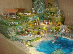 La mer constitue la frontière entre l'Orient et l'Occident. Christmas Crib Ideas, Christmas Nativity, Christmas Decorations, Village Miniature, Miniature Houses, Janmashtami Decoration, Art Of Love, Christmas Villages, Orient