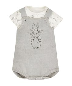 I'm shopping Peter Rabbit Bodysuit and Knitted Dungarees in the Mothercare iPhone app. Baby Needs, Baby Love, Baby Kids Clothes, Peter Rabbit Baby Clothes, Peter Rabbit Nursery, Boys Wear, Baby Boy Outfits, Children Outfits, Unisex Baby