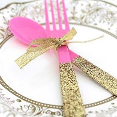 If you're having food at your party, you're going to need serving ware—and what's more fun than eating from a sparkly spoon? A few simple supplies can add instant glam to any gathering with these DIY glitter party utensils. Gold Party Decorations, Birthday Party Decorations, Birthday Parties, Diy Sweet 16 Decorations, Birthday Ideas, 3rd Birthday, Pink And Gold Birthday Party, Disney Princess Birthday Party, Sweet 16 Parties