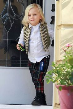 21114fea6466 Gwen Stefani had a busy weekend around LA with her boys Kingston and Zuma.  The two stylish kids were decked out in elaborate outerwear and plaid pants  for a