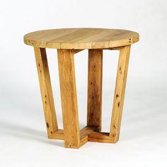 mesa lateral com pés angulados