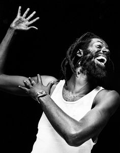 Gregg Delman sees famous people Reggae Artists, Music Artists, Rastafarian Culture, Buju Banton, Famous Legends, Caribbean Culture, Jamaican Music, Music Hits, Reggae Music