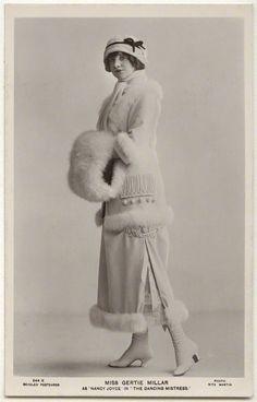 """via FB Recreaciones Históricas Club Fin de Siglo Belle Époque - Miller Gertie.  1912, usado por Gertie Millar en el segundo acto de la comedia musical """"The Dancing Mistress"""", estrenada en Londres en esa fecha.  http://castaroundvintage.tumblr.com/image/42689768670"""