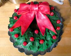 christmas wreath cake recipes | Christmas Wreath Bundt Cake: Recipe here: http://pamcakediva.com/?p ...