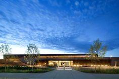 Fort Mcmurray International Airport / office of mcfarlane biggar architects + designers