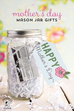 Cute Mason Jar Gift Ideas for Mother's Day {and free printable tags} on polkadotchair.com