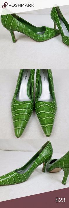 Amanda Smith Lime Green Croc Embossed Pumps Amanda Smith Lime Green Croc Embossed PUMPS Kitten Heels Pointed Toe Sz 9 M CONDITION: Pre-owned/Used   Fast Shipping within the USA. Amanda Smith Shoes Heels