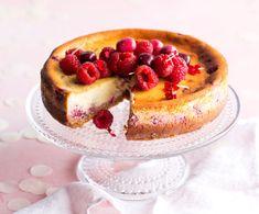 15 parasta juustokakkua - näillä hurmaat taatusti! - Kotiliesi.fi Cute Desserts, Nutella, French Toast, Cheesecake, Deserts, Sweets, Homemade, Baking, Breakfast