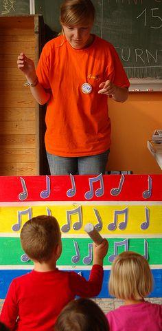 Inkleding en inleving op kamp: muziek maken met kleuters kan eenvoudig.