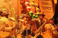 Jazz figurines  Photo Andy Blackledge  https://www.flickr.com/photos/hockeyholic/