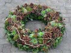 Wreath Nature - Trauerfloristik, Kränze, Buketts, Sarggestecke, Urnenschmuck, Grabpflege Wien, Zentralfriedhof | Sonderform