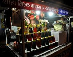 What is cool about Sarafa? Why do people like it? #Indore Rabri #Faluda #Street #Food #India #ekPlate #ekplatefaluda