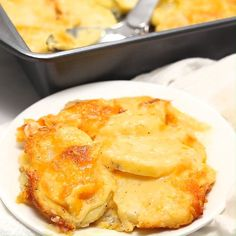 cheesy scalloped potatoes are a classic and staple at any holiday dinner. They are creamy, cheesy and absolutely delicious! cheesy scalloped potatoes are a classic and staple at any holiday dinner. They are creamy, cheesy and absolutely delicious! Vegetable Dishes, Vegetable Recipes, Chicken Recipes, Cheesy Recipes, Fast Recipes, Veggie Food, Meatball Recipes, Burger Recipes, Mushroom Recipes