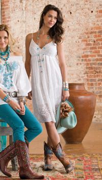 Super-sweet dress.  Love it with cowboy boots & turquoise jewelry.  So summery!