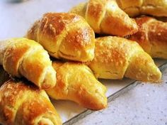 cornuri aluat cu iaurt Sweet Pastries, Bread And Pastries, Soup Dish, Romanian Food, Romanian Recipes, Salty Snacks, Pastry And Bakery, Food Cakes, Desert Recipes